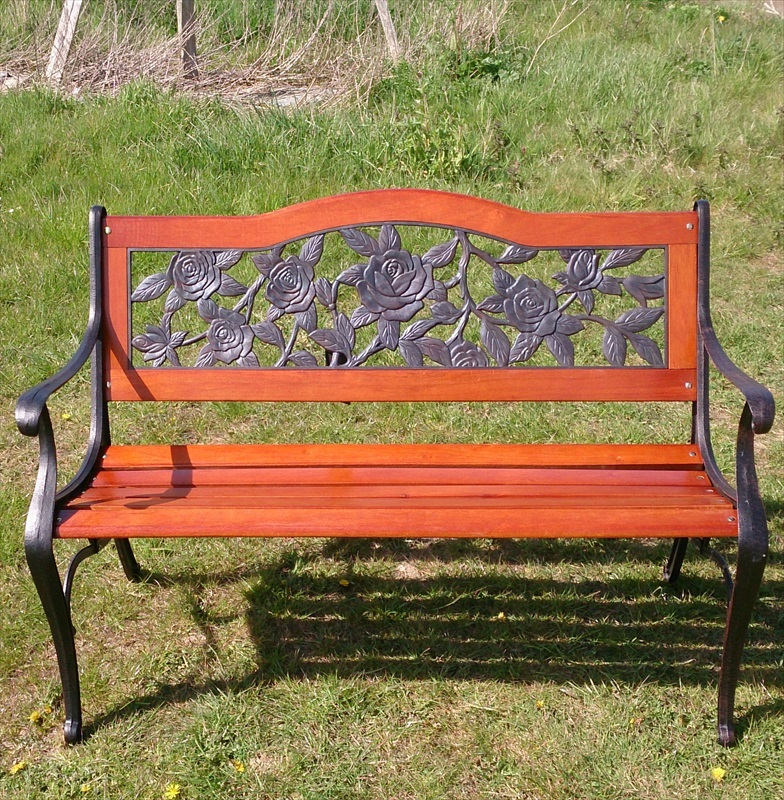 Lyon garden bench in wood metal the garden factory for Metal benches for outdoors